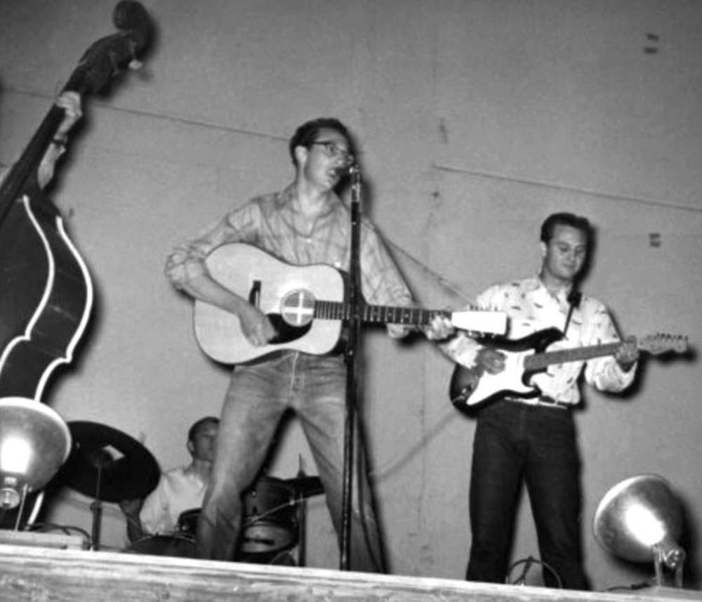 buddy-holly-and-sonny-curtis-playing-on-stage
